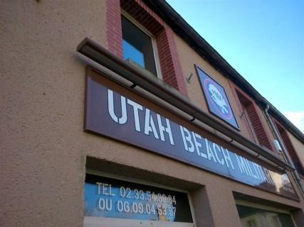 Enseignes-Utah-Beach-Militaria-Ste-Marie-du-Mont-1