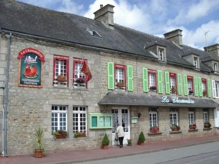 Faux-rideaux-La-Chaumiere-Quettehou