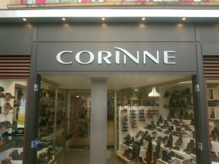 Lettres-PVC-Corinne-chaussures-Cherbourg