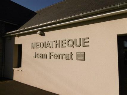 Lettres-PVC-Mediatheque-Tonneville