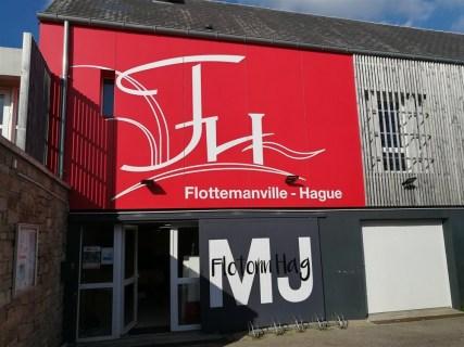 Marquage-adhesif-Maison-des-Jeunes-Flottemanville-Hague