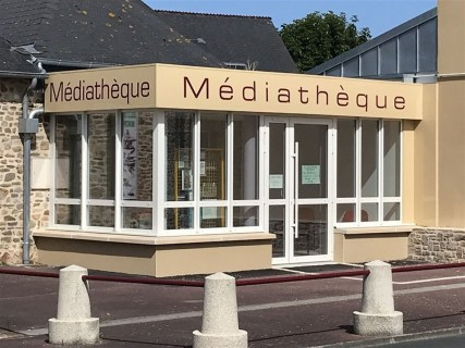 Marquage-adhesif-Mediatheque-St-Germain-sur-Ay