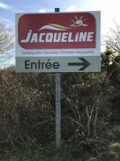 Pre-enseigne-Jacqueline-La-Glacerie