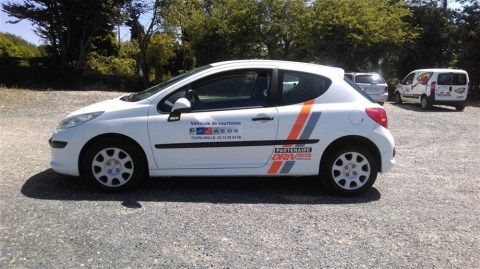 AEDS-Tourlaville-Peugeot-207